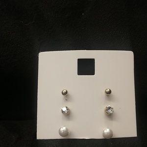 NWOT BEELINE Old Navy Set of 3 stud earrings